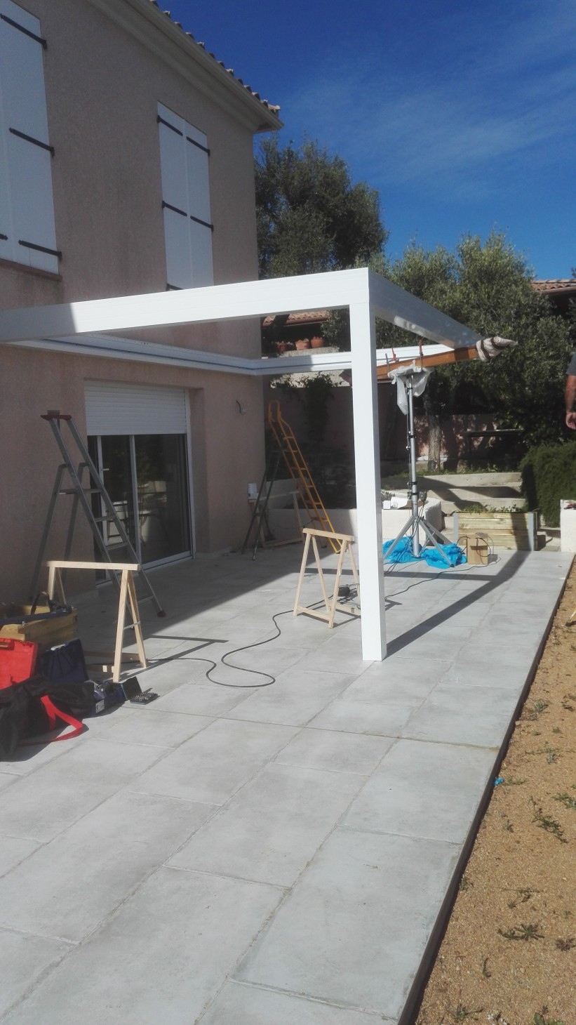 pose pergola bioclimatique